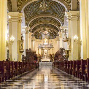 _E3A5046_Lima_Kathedrale Mittelgang