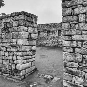 _E3A6564_Peru_Machu Picchu_Steinmauern_SW