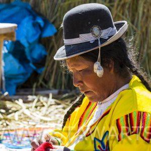 _E3A6868_Peru_Titicacasee_Frau mit Hut