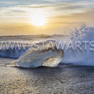 _E3A8960_Island_Diamond Beach_Kaltes Herz zum Sonnenaufgang